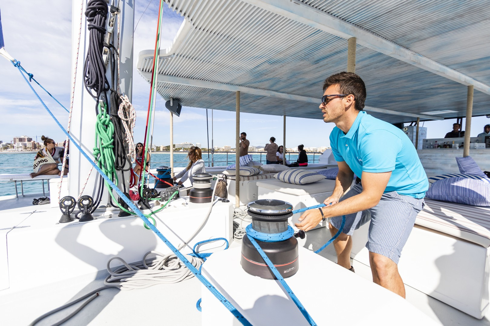 Tour catamaran