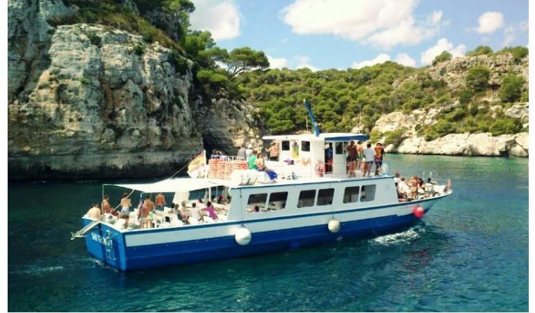 Excursión en barco en Menorcq