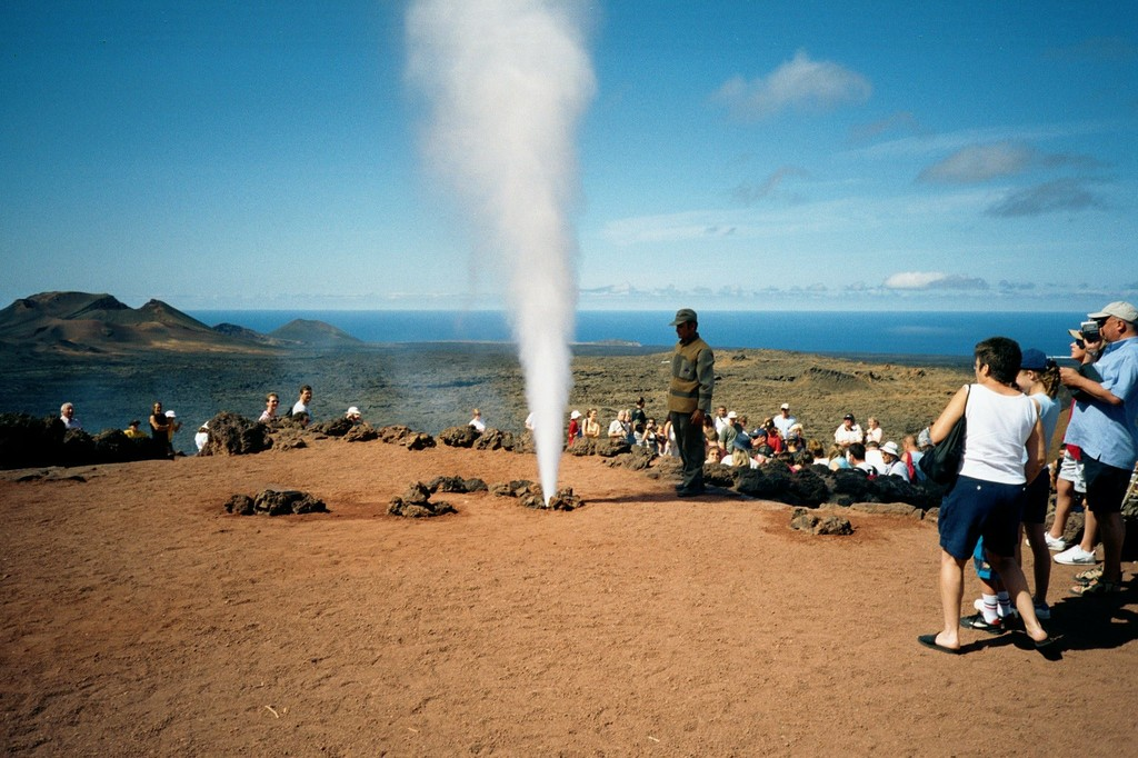 Geothermcal demonstrations in Lanzarote