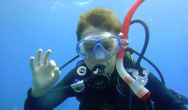 Discover Scuba Diving in Puerto Colón