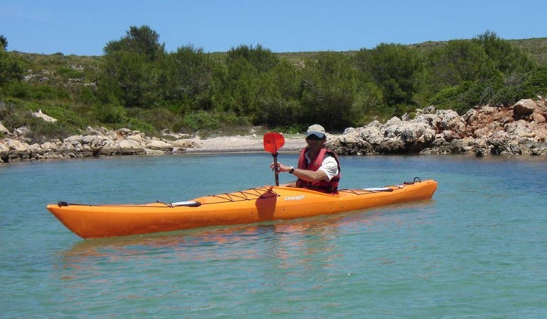 Single kayak in Minorca to rent