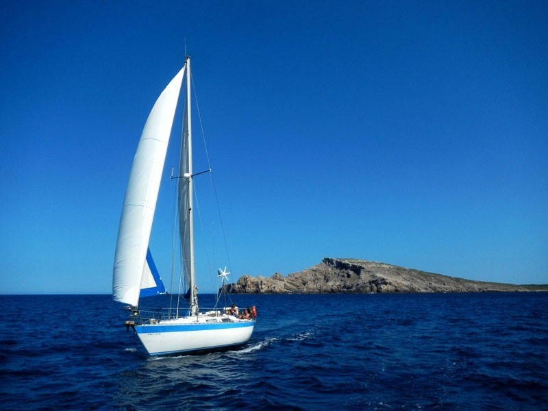 Sailing day trip in Menorca