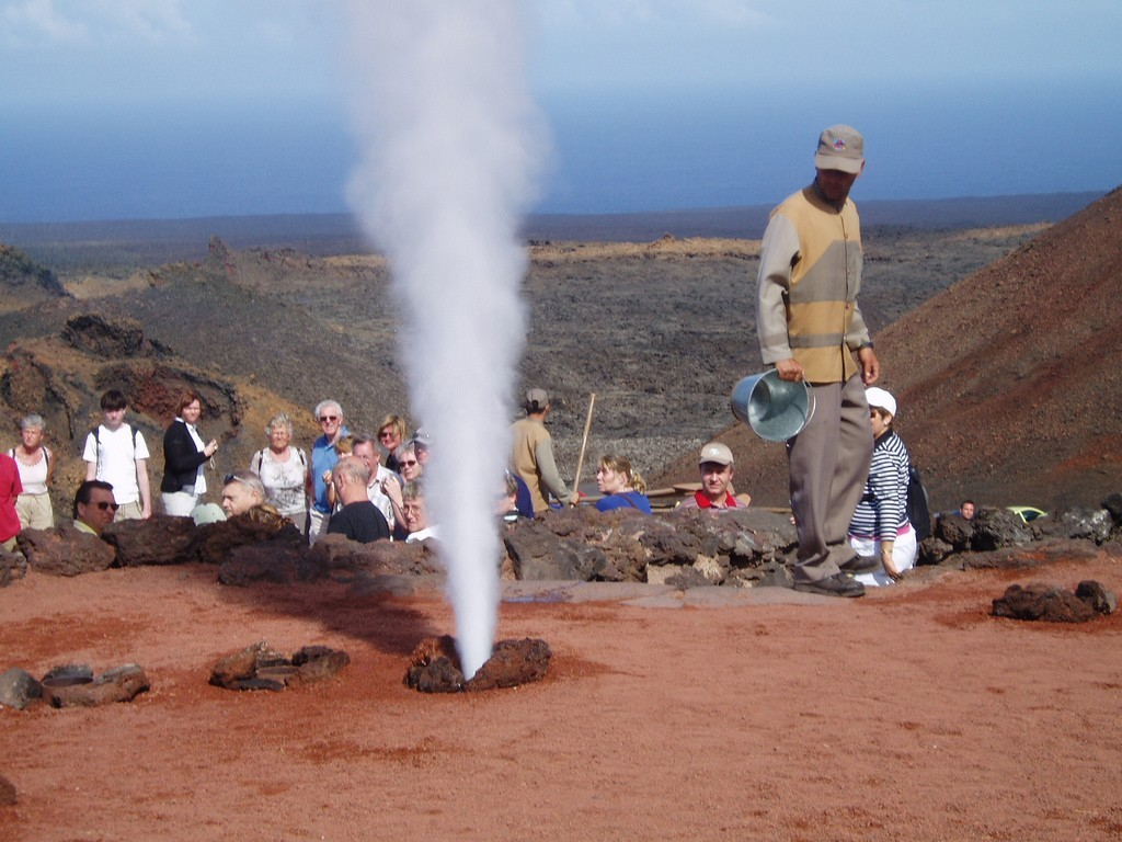 Geothermical demonstrations in Lanzarote