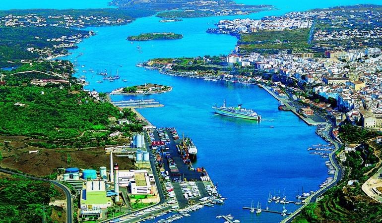 The natural harbor of Mahon