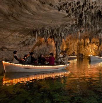 Cuevas del Drach barca