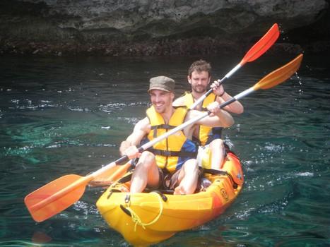 kayak in Addaia