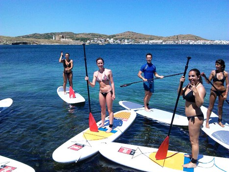 enjoy with paddle surf