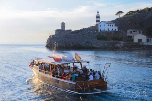Island Tour boat