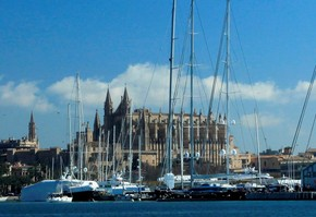 6 hours shared excursion sailing through the Bay of Palma (Majorca)