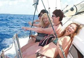 Half day sailing trip in Porto Colom for 11 persons in exclusive  (Calas de Mallorca)