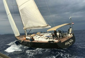 Half day excursion on luxury sailboat in Porto Cristo