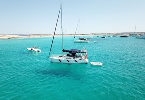 Private 8-hour sailboat tour in Ibiza and Formentera