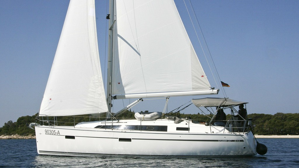 cruiser 37 2016 First Class Sailing