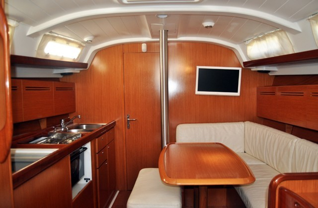Cyclades 39.3 2006 Roses Yachts