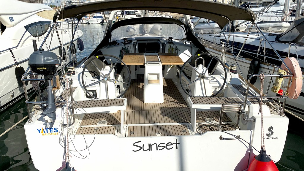 Oceanis 38 2014 First Class Sailing Spain (Yates Baleares)