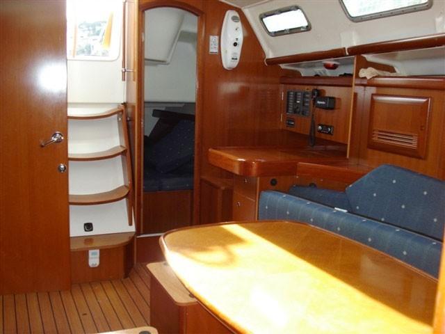 Oceanis 393 2006 Menorca Cruising