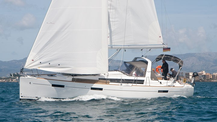 Oceanis 41 2014 First Class Sailing Spain (Yates Baleares)
