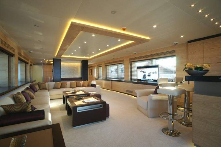 148 2011 Yachts Charter In