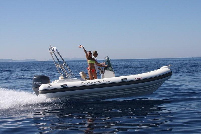 Capelli Tempest 650 2018 Nautic Fun Menorca