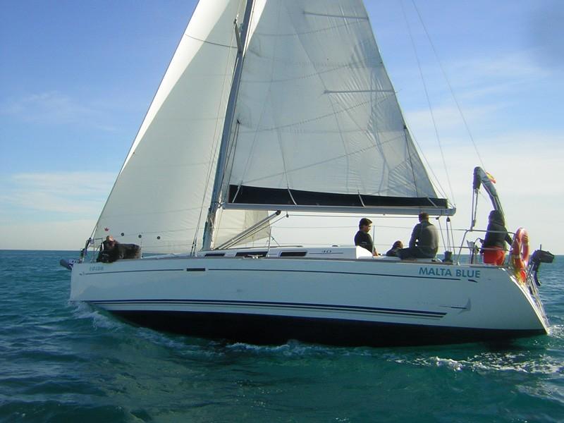 Dufour 40 navegando
