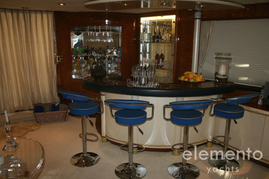 Yacht Charter in Majorca: Elegance 95 nice bar in the salon.