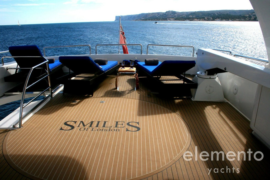 Yacht Charter in Majorca: Elegance 95 large flybridge.