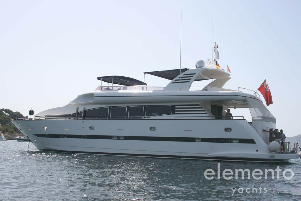 Yacht Charter in Majorca: Elegance 95 at anchor.