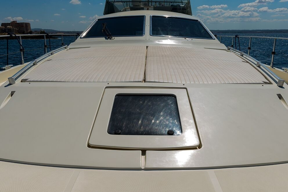 175 Fly 1996 Yachts Charter In