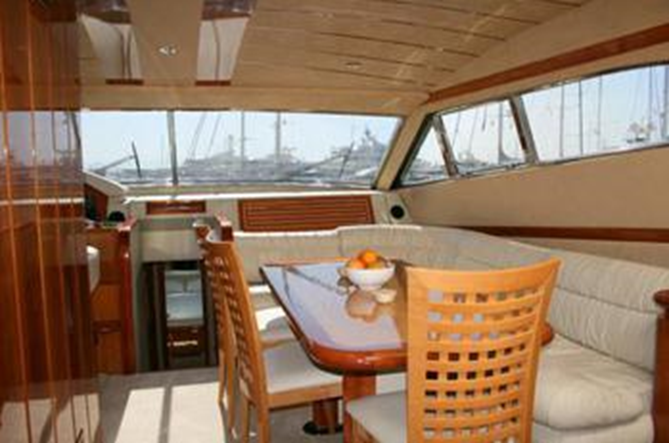 68 2000 Yachts Charter In