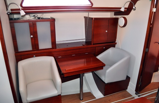 400 2008 Roses Yachts