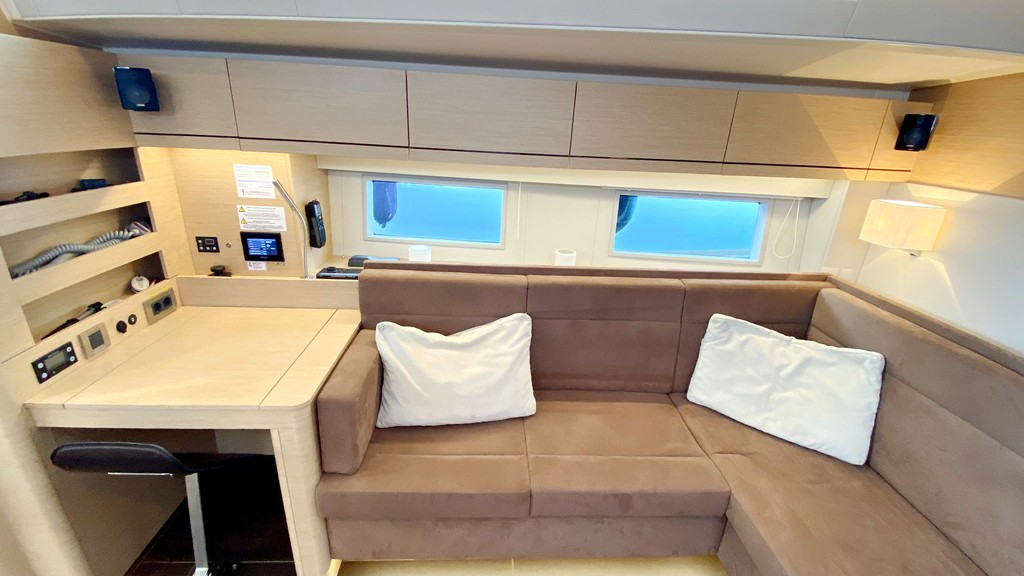 548 2019 First Class Sailing Spain (Yates Baleares)