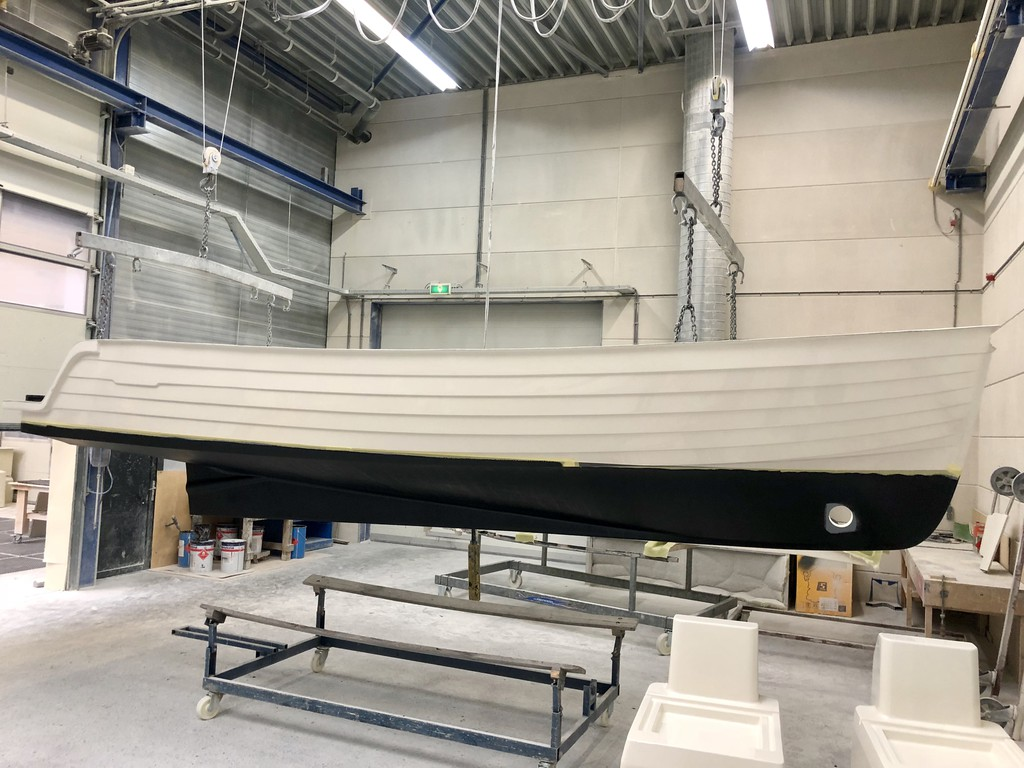 Intender 820 2019 Nautinort Charter S.L.