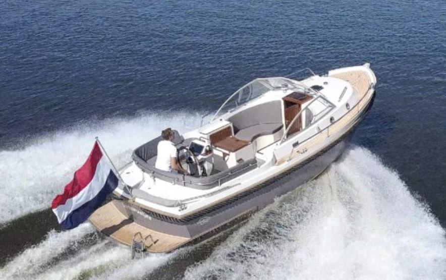 Intercruiser 27 Cabin 2020 Nautinort Charter S.L.