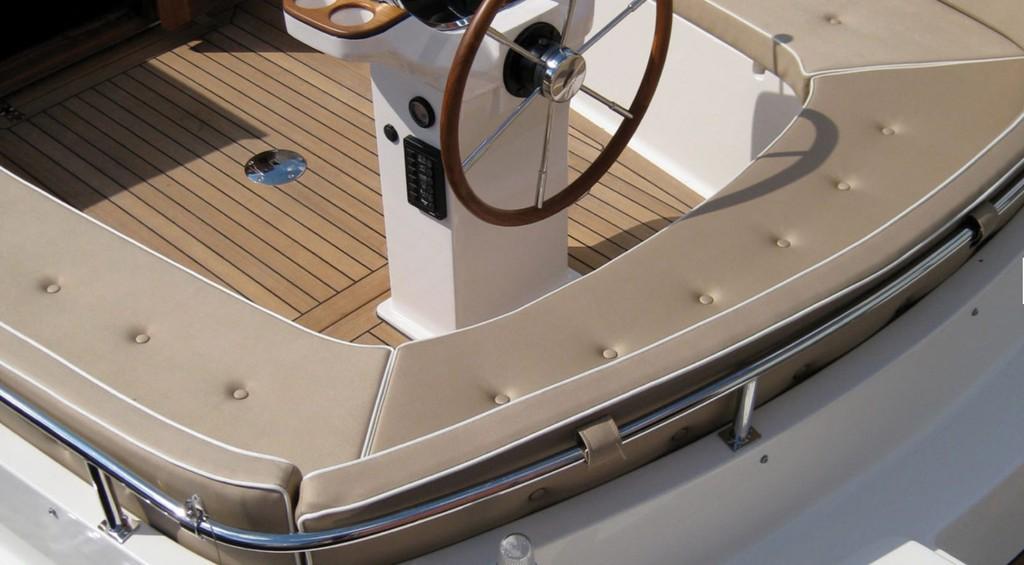 Intercruiser 28 Cabrio 2020 Nautinort Charter S.L.