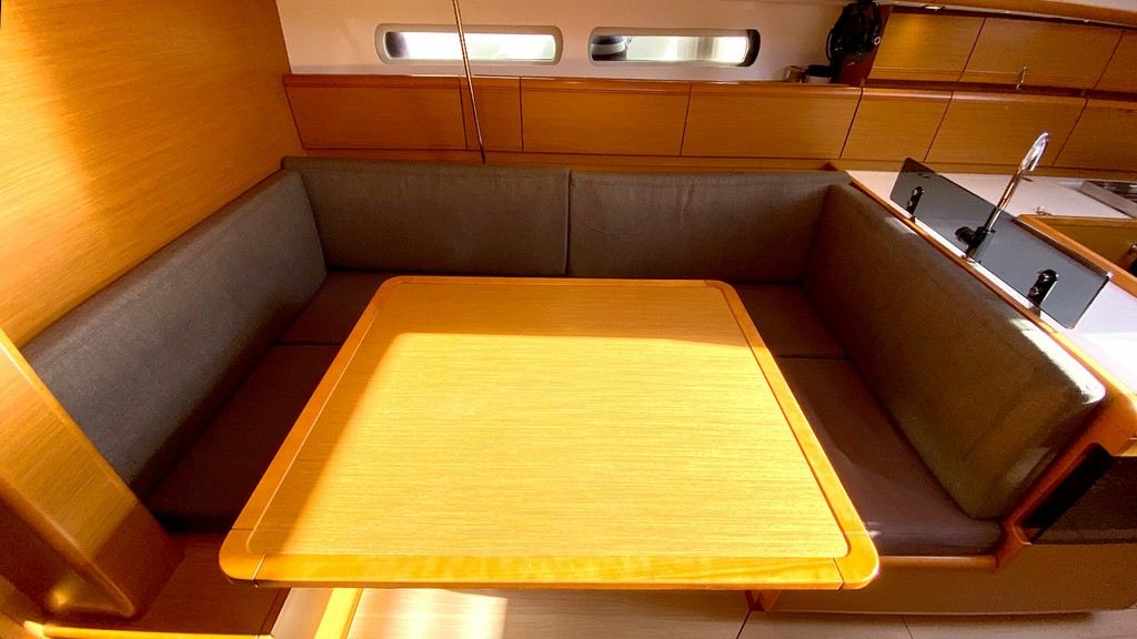 Sun Odyssey 40.9 2015 First Class Sailing Spain (Yates Baleares)