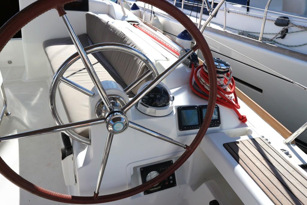 Sun Odyssey 43.9 2012 Cruesa