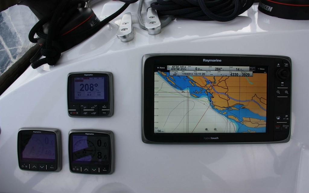 instrumentos  de navegación lagoon 4002s palma de mallorca