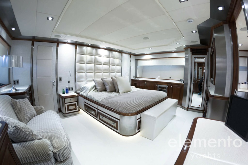 Yacht Charter in Majorca: Palmer Johnson 120 luxurious master cabin.