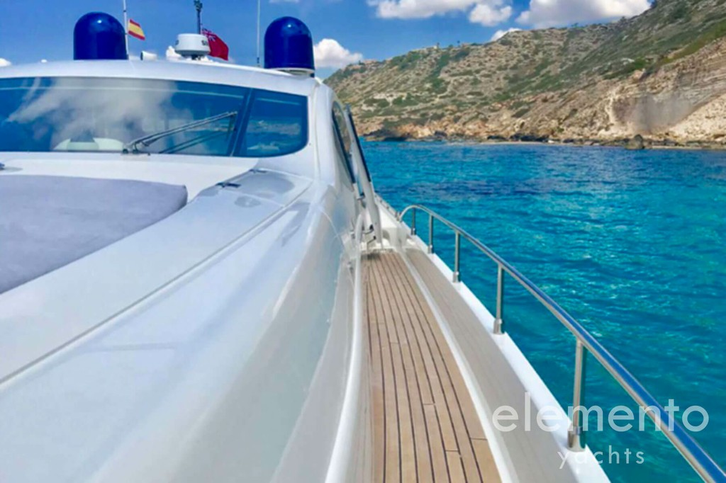 Yacht Charter in Majorca: Pershing 76 deck.