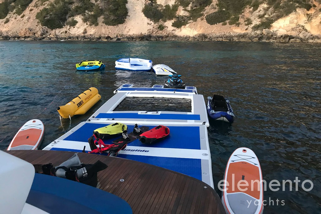 Yacht Charter in Majorca: Pershing 76 large selection of water toys.