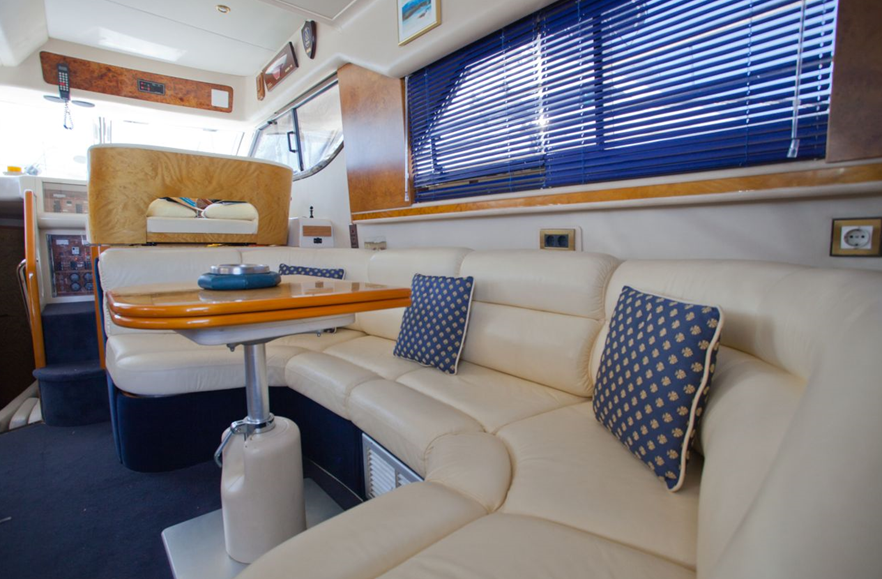 480 2002 Yachts Charter In