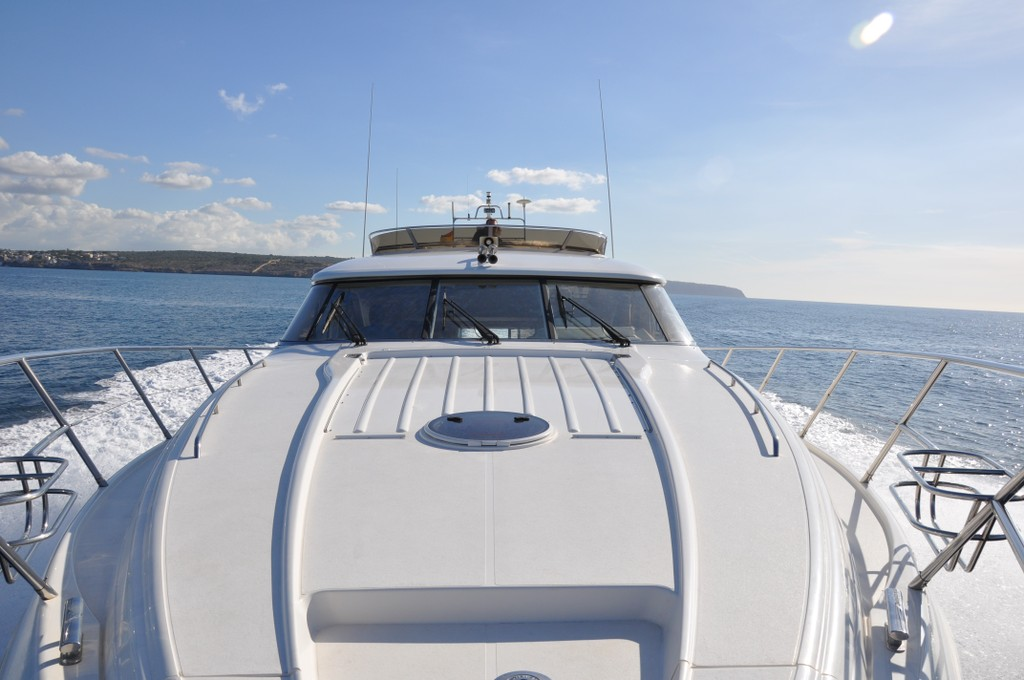 60 1996 Yachts Charter In