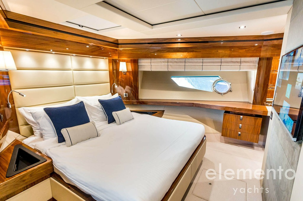 Yacht Charter in Majorca: Sunseeker 86 Yacht large VIP cabin with tv.