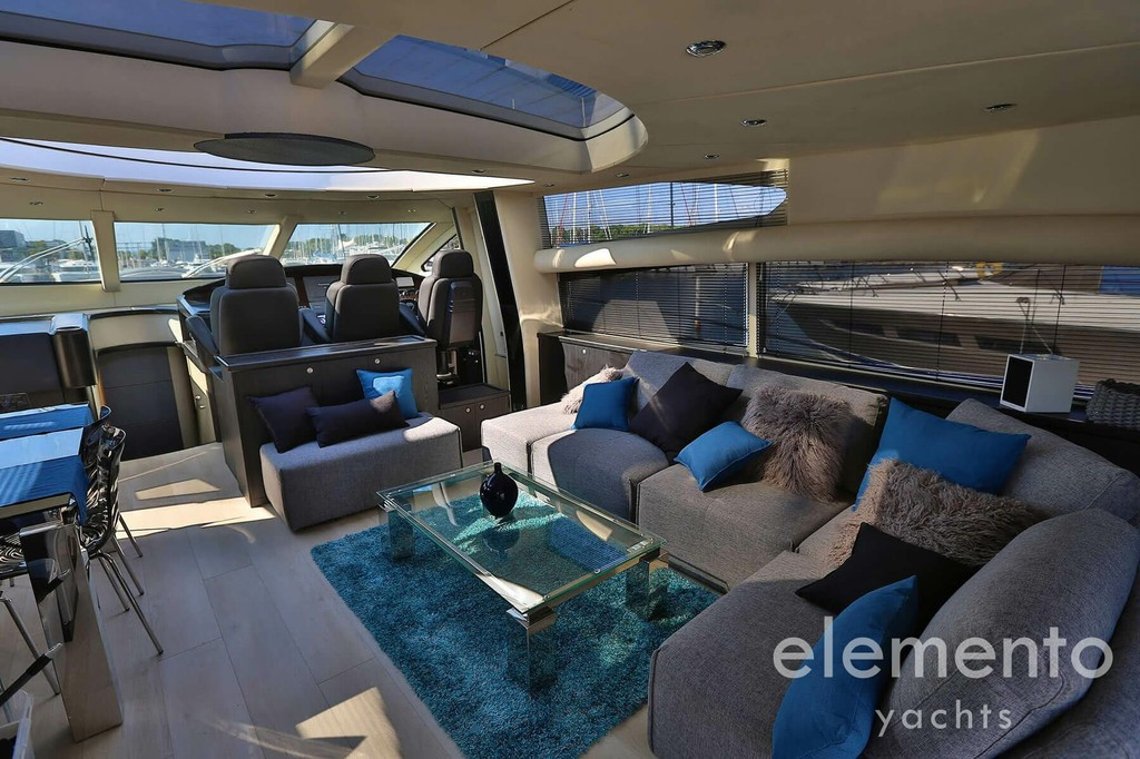 Yacht Charter in Majorca: Sunseeker Predator 82 wonderful salon with modern design.