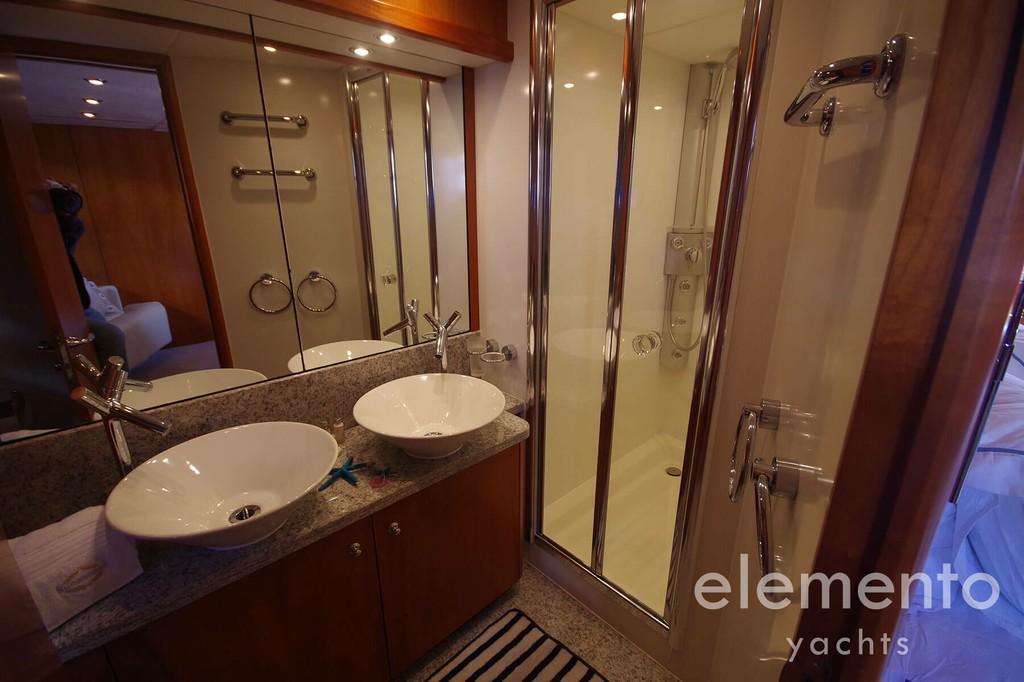 Yacht Charter in Majorca: Sunseeker Predator 82 bath en suite.