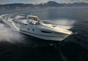 Leader 8 2010 Mallorca Charter Point